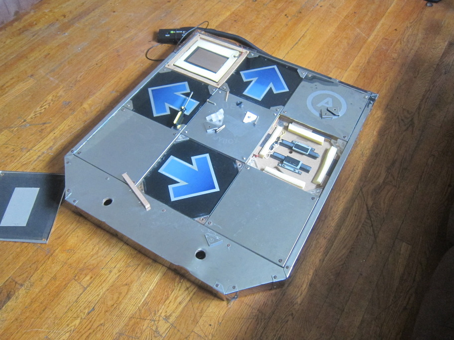 an BlueShark pad with internal parts revealed